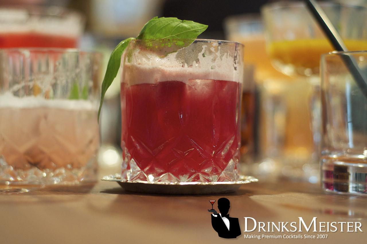 Singapore Sling drink | DrinksMeister - Drinks & Cocktails, Drinksopskrifter, Rom, Gin, Vodka ...