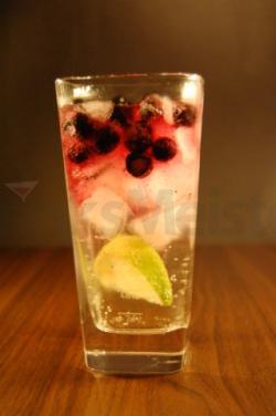 Gin Tonic med blåbær