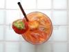 Jordbær som drinkspynt