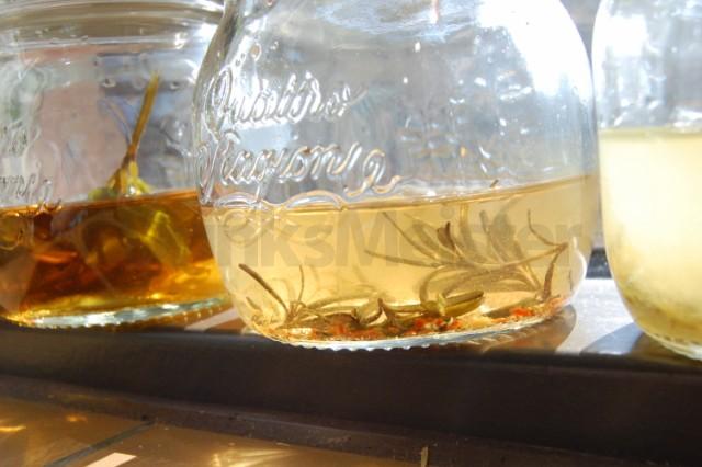 hjemmelavet infused spiritus drinksmeister drinks cocktails drinksopskrifter rom gin. Black Bedroom Furniture Sets. Home Design Ideas